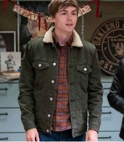 13 REASON WHY S04 MILES HEIZER (ALEX STANDALL) GREEN JACKET